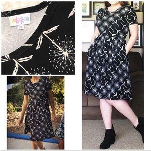 XL LulaRoe Amelia Dandelion Floral Fit Flare Dress